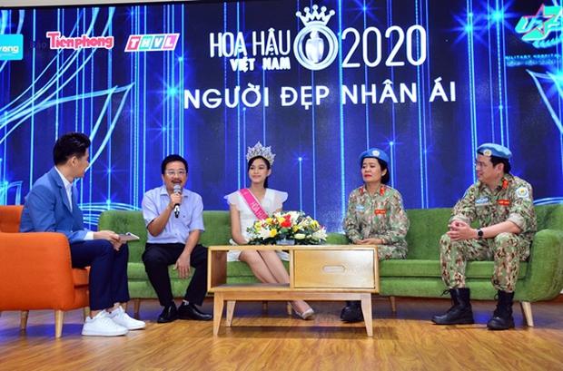 Clip hiếm hoi Hoa hậu Việt Nam và 2 Á hậu đọ sắc cùng khung hình qua camera thường: Dáng đi như catwalk và ngũ quan ngoài đời gây chú ý - Ảnh 6.