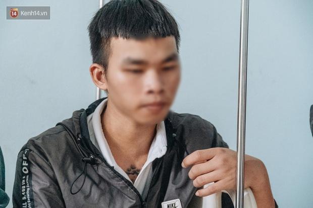 Người thân xót xa khi gặp lại cậu bé 15 tuổi bị chủ quán bánh xèo bạo hành, hy vọng cháu sớm về quê tiếp tục việc học - Ảnh 7.