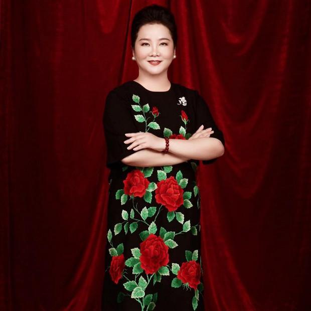 Hóa ra mẹ vợ của thiếu gia Phan Thành là giám khảo Hoa hậu Hoàn vũ VN với câu nói gây ám ảnh Trừ điểm thanh lịch! - Ảnh 7.