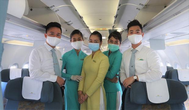 """""""Chiến binh Sen Vàng"""" trên những chuyến bay giải cứu: Ai cũng sợ nhưng dám làm điều tốt đẹp - Ảnh 4."""