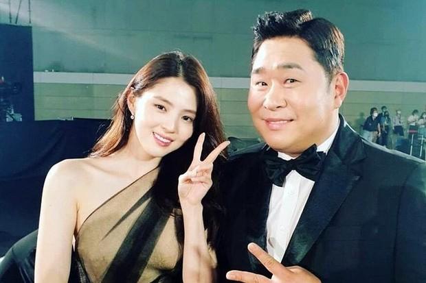 Dàn tuyệt sắc mỹ nhân Kbiz ngoài đời: Han Ga In, Jeon Ji Hyun cũng phải chịu thua chị đại vạn người... sợ Kim Hye Soo! - Ảnh 30.