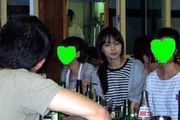 Dàn tuyệt sắc mỹ nhân Kbiz ngoài đời: Han Ga In, Jeon Ji Hyun cũng phải chịu thua chị đại vạn người... sợ Kim Hye Soo! - Ảnh 3.