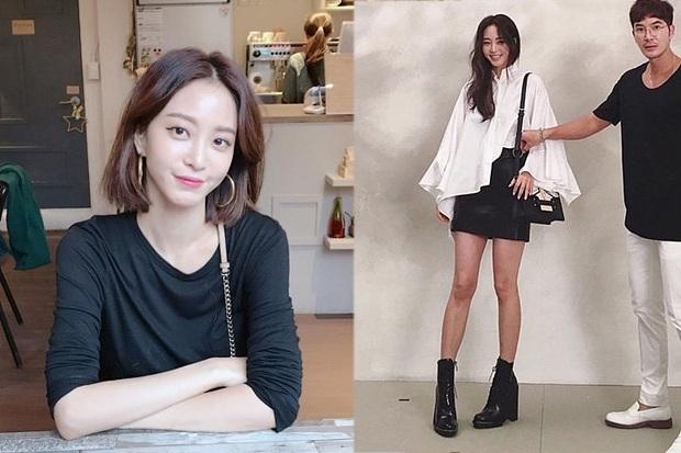 Dàn tuyệt sắc mỹ nhân Kbiz ngoài đời: Han Ga In, Jeon Ji Hyun cũng phải chịu thua chị đại vạn người... sợ Kim Hye Soo! - Ảnh 15.