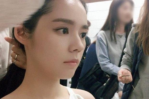 Dàn tuyệt sắc mỹ nhân Kbiz ngoài đời: Han Ga In, Jeon Ji Hyun cũng phải chịu thua chị đại vạn người... sợ Kim Hye Soo! - Ảnh 24.