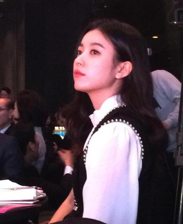 Dàn tuyệt sắc mỹ nhân Kbiz ngoài đời: Han Ga In, Jeon Ji Hyun cũng phải chịu thua chị đại vạn người... sợ Kim Hye Soo! - Ảnh 11.