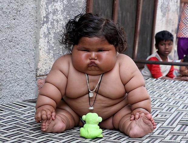 Bé gái béo nhất thế giới 8 tháng tuổi đã nặng gần 20kg, từng khiến truyền thông thế giới phải ngỡ ngàng 3 năm trước giờ ra sao? - Ảnh 1.