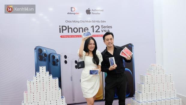 iPhone 12 chính hãng mở bán tại Việt Nam, nhạc sỹ Dương Khắc Linh chốt đơn luôn 4 chiếc, Bảo Thy, Ngô Kiến Huy cũng hào hứng khoe đặt hàng - Ảnh 2.