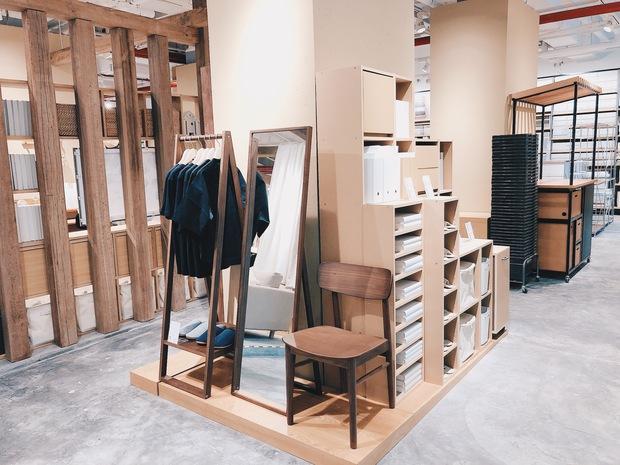 Flagship store MUJI Sài Gòn chính thức mở cửa: 1001 góc sống ảo, ngoài tốn tiền thì còn tốn thêm cả pin điện thoại vì chụp hình mệt nghỉ! - Ảnh 20.