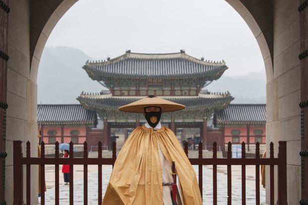 Hàn Quốc ghi nhận số ca nhiễm COVID-19 cao nhất trong 8 tháng - Ảnh 1.