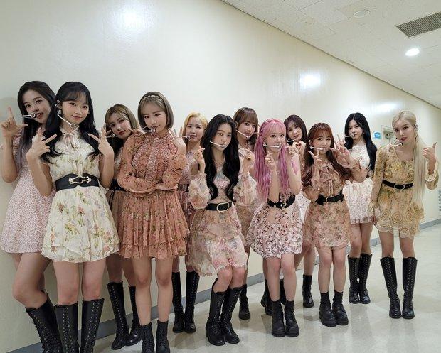 Ảnh teaser của IZ*ONE mắc lỗi photoshop cẩu thả, nhóm sắp tan rã nên bị bỏ bê giống Wanna One ngày nào? - Ảnh 5.