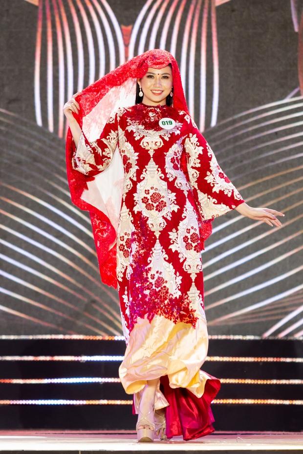 Bán kết Hoa khôi Du lịch Việt Nam 2020: Khánh Ngân đầy gợi cảm, Top 30 trình diễn ấn tượng trang phục dân tộc lạ mắt - Ảnh 10.