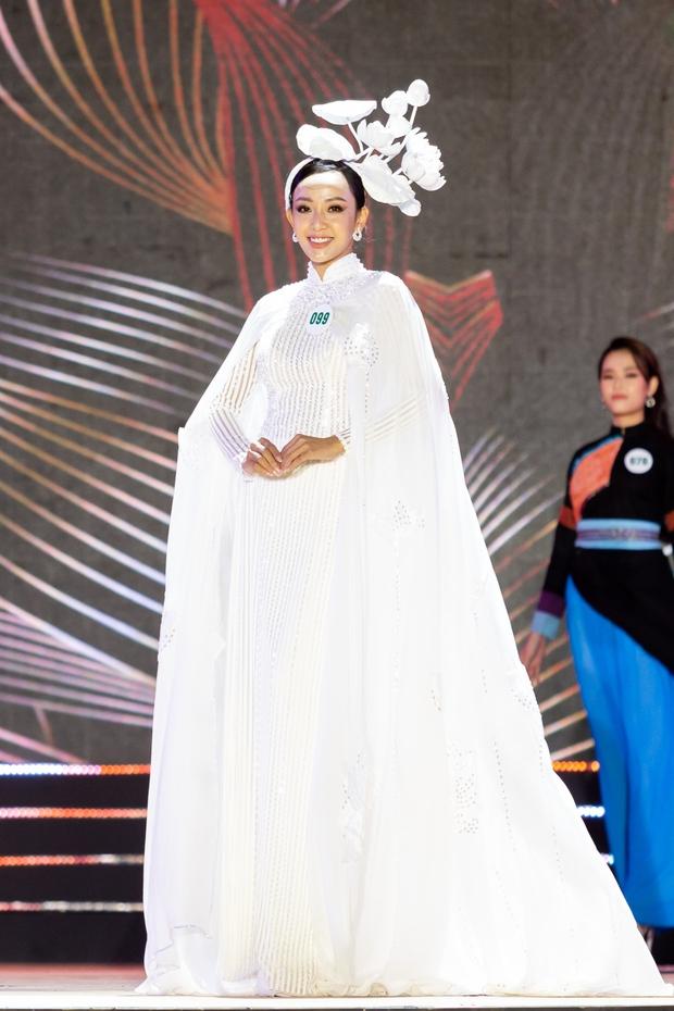 Bán kết Hoa khôi Du lịch Việt Nam 2020: Khánh Ngân đầy gợi cảm, Top 30 trình diễn ấn tượng trang phục dân tộc lạ mắt - Ảnh 13.