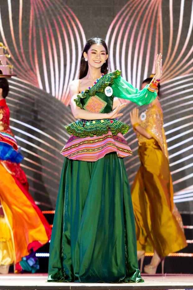 Bán kết Hoa khôi Du lịch Việt Nam 2020: Khánh Ngân đầy gợi cảm, Top 30 trình diễn ấn tượng trang phục dân tộc lạ mắt - Ảnh 12.
