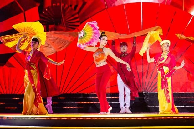 Bán kết Hoa khôi Du lịch Việt Nam 2020: Khánh Ngân đầy gợi cảm, Top 30 trình diễn ấn tượng trang phục dân tộc lạ mắt - Ảnh 16.