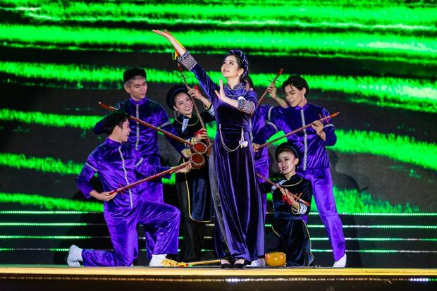 Bán kết Hoa khôi Du lịch Việt Nam 2020: Khánh Ngân đầy gợi cảm, Top 30 trình diễn ấn tượng trang phục dân tộc lạ mắt - Ảnh 17.