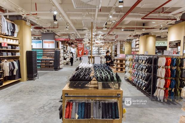 Flagship store MUJI Sài Gòn chính thức mở cửa: 1001 góc sống ảo, ngoài tốn tiền thì còn tốn thêm cả pin điện thoại vì chụp hình mệt nghỉ! - Ảnh 11.
