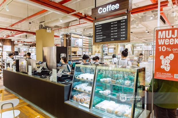 Flagship store MUJI Sài Gòn chính thức mở cửa: 1001 góc sống ảo, ngoài tốn tiền thì còn tốn thêm cả pin điện thoại vì chụp hình mệt nghỉ! - Ảnh 10.