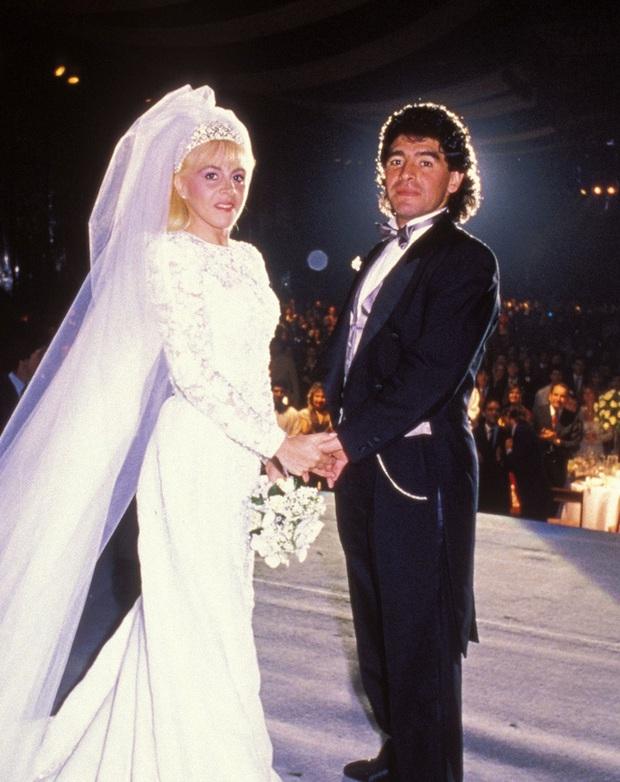 Cuộc chiến phân chia tài sản rắc rối giữa 11 người con Maradona - Ảnh 1.
