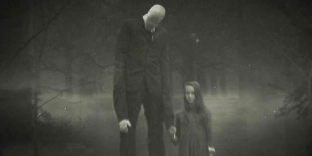 Phim tài liệu thương tâm về hai cô bé tấn công bạn học vì ám ảnh với ác quỷ Slenderman hư cấu - Ảnh 1.