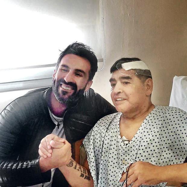Diego Maradona và những ngày cuối cùng của một huyền thoại đáng thương - Ảnh 1.
