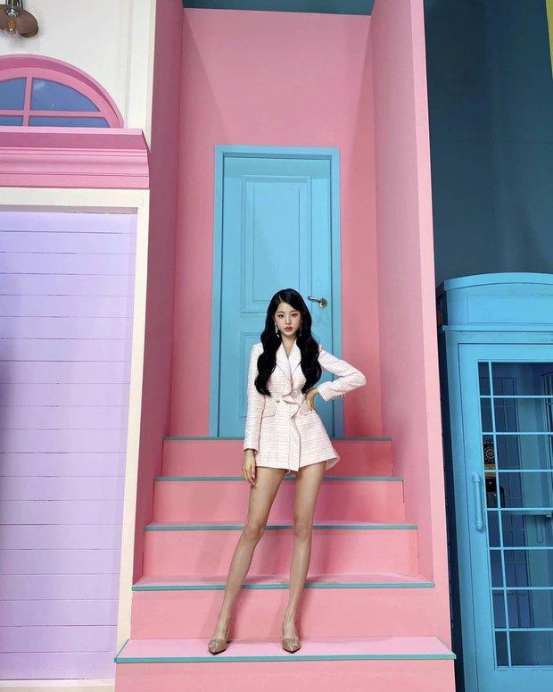 Dàn idol nữ có đôi chân dài nhất Kpop: Thánh body Lisa e dè trước mỹ nhân đẹp nhất thế giới, center IZ*ONE và aespa đối đầu - Ảnh 7.