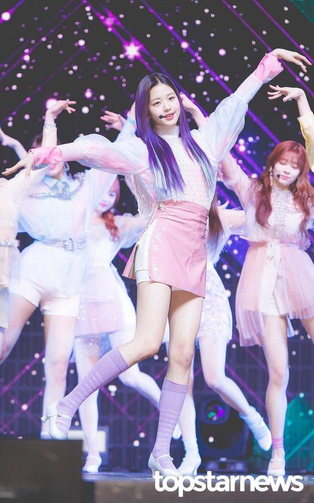 Dàn idol nữ có đôi chân dài nhất Kpop: Thánh body Lisa e dè trước mỹ nhân đẹp nhất thế giới, center IZ*ONE và aespa đối đầu - Ảnh 6.