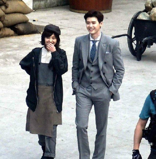 Thoát lời nguyền đắp chiếu, phim của Lee Jong Suk - Trịnh Sảng cuối cùng cũng chốt ngày lên sóng? - Ảnh 5.