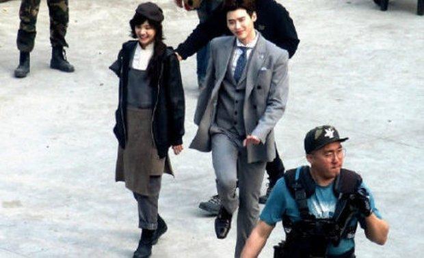 Thoát lời nguyền đắp chiếu, phim của Lee Jong Suk - Trịnh Sảng cuối cùng cũng chốt ngày lên sóng? - Ảnh 6.