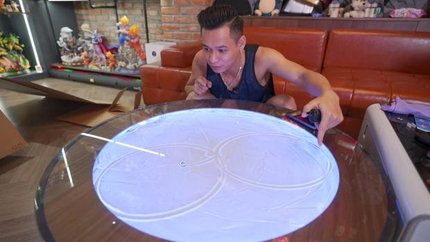 Độ Mixi khiến fan ngất ngây khi khoe chiếc bàn cực vi diệu, giá sương sương gần 50 triệu đồng, nhưng nguồn gốc mới là điều bất ngờ! - Ảnh 7.