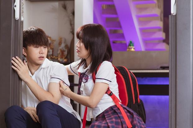 4 khoảnh khắc siêu cưng của đôi bạn Han Sara - Tùng Maru ở Đừng Làm Bạn Nữa: Mê nhất là màn hôn hụt đó nha! - Ảnh 10.