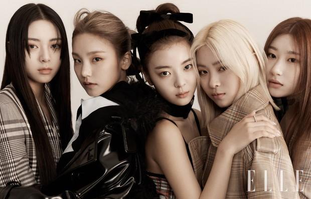 Nhìn ITZY trên tạp chí mới thấy tầm quan trọng của makeup và tóc tai lớn thế nào - Ảnh 3.