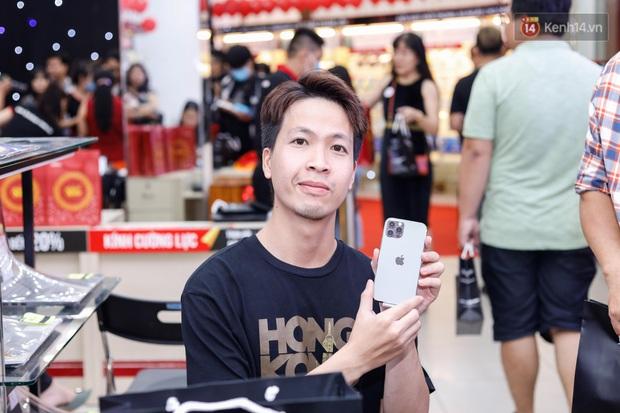 Nghịch lý iPhone 12:Mẫu không đủ hàng bán, mẫu phải giảm giá kích cầu - Ảnh 2.