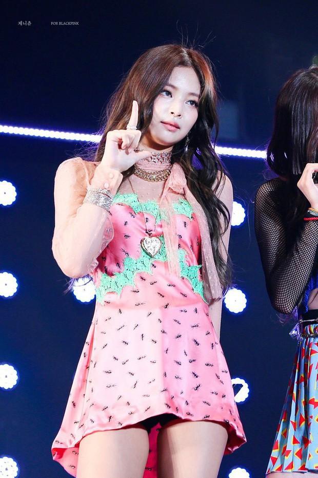 Tưởng là công chúa YG được biệt đãi, ai dè Jennie cũng 5 lần 7 lượt bị dìm đến mức như tàng hình giữa BLACKPINK - Ảnh 11.
