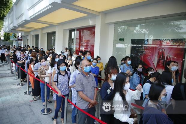 Cả Sài Gòn dập dìu đi khai trương MUJI, từ giới trẻ đến các cô các bác rộn ràng shopping - Ảnh 3.