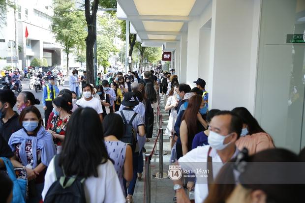 Cả Sài Gòn dập dìu đi khai trương MUJI, từ giới trẻ đến các cô các bác rộn ràng shopping - Ảnh 6.