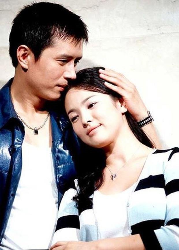 Tình đầu ít ai biết của Song Hye Kyo: CEO nhà SM nguyện cả đời bảo vệ nhưng toang, người yêu Á hậu người lấy tài tử và kết cục buồn - Ảnh 2.