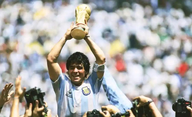 Ronaldo và Messi đừng mơ nhận được sự ngưỡng mộ như Maradona từng có - Ảnh 2.