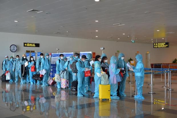 Thêm 8 người nhập cảnh nhiễm Covid-19, Việt Nam có 1.339 ca bệnh - Ảnh 1.