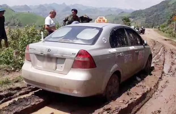 Tử hình 3 tên cướp người Trung Quốc sát hại tài xế taxi rồi bỏ thi thể xuống sông - Ảnh 1.