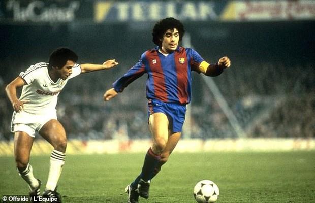 Khoảnh khắc điên rồ của Maradona: Xả súng vào phóng viên - Ảnh 3.