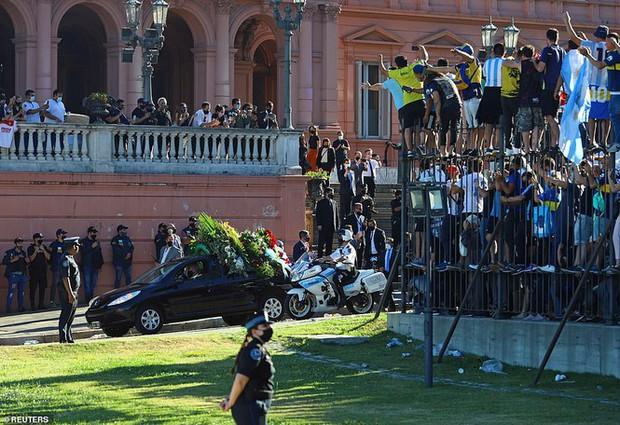 Huyền thoại Maradona về nơi an nghỉ cuối cùng - Ảnh 5.
