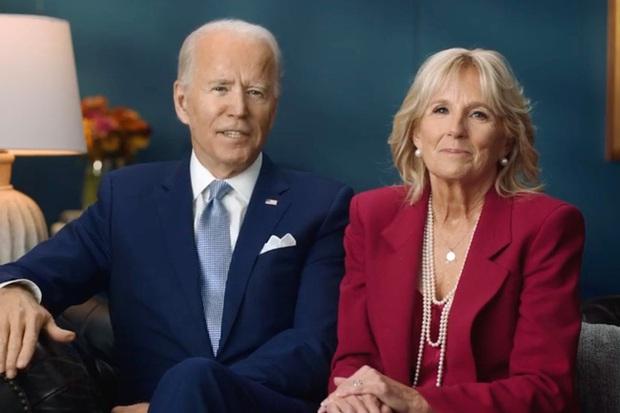 Tổng thống Donald Trump cùng ông Joe Biden đón Lễ Tạ ơn khác biệt: Người lộ diện lẻ loi, người hạnh phúc bên gia đình - Ảnh 6.