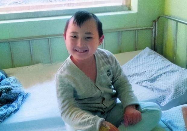 Đứa bé trong tranh Tết nổi tiếng nhờ vẻ đáng yêu, kiếm tiền nuôi cả gia đình rồi đột ngột qua đời, tất cả chỉ vì một câu nói của mẹ ruột - Ảnh 5.