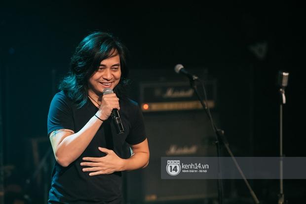 Phạm Anh Khoa thay thế cố nghệ sĩ Trần Lập làm minishow cùng nhóm Bức Tường, MC Lại Văn Sâm tiết lộ từng tham gia một ban nhạc - Ảnh 11.