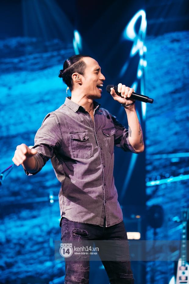 Phạm Anh Khoa thay thế cố nghệ sĩ Trần Lập làm minishow cùng nhóm Bức Tường, MC Lại Văn Sâm tiết lộ từng tham gia một ban nhạc - Ảnh 9.