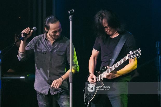 Phạm Anh Khoa thay thế cố nghệ sĩ Trần Lập làm minishow cùng nhóm Bức Tường, MC Lại Văn Sâm tiết lộ từng tham gia một ban nhạc - Ảnh 7.