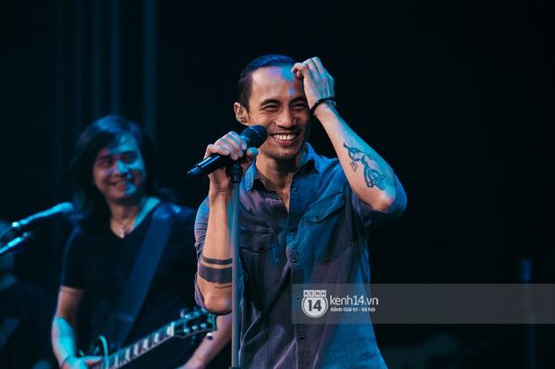 Phạm Anh Khoa thay thế cố nghệ sĩ Trần Lập làm minishow cùng nhóm Bức Tường, MC Lại Văn Sâm tiết lộ từng tham gia một ban nhạc - Ảnh 6.