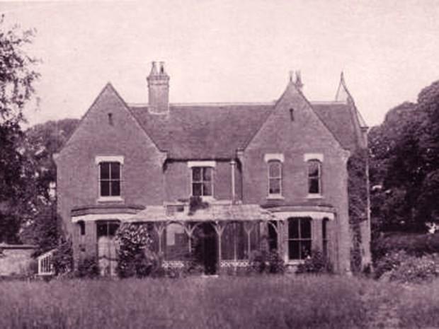 """Ám ảnh với căn biệt thự xúi quẩy, """"bị ma ám"""" nổi nhất Anh Quốc cùng quá khứ đen tối - nguồn cảm hứng cho nhiều tác phẩm kinh dị - Ảnh 1."""