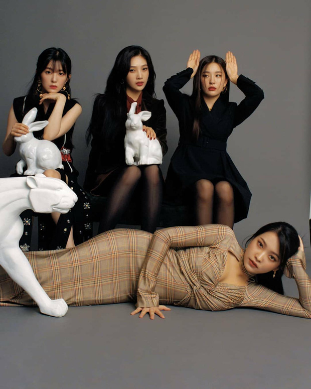 Chuẩn bị comeback, Red Velvet dát đầy hàng hiệu lên người, bất ngờ là thương hiệu trang phục của Irene - Ảnh 2.