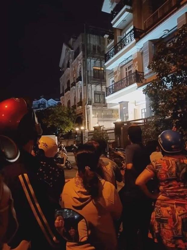 Nóng: Phát hiện thi thể không nguyên vẹn trong vali tại căn hộ ở khu dân cư Him Lam - Ảnh 1.